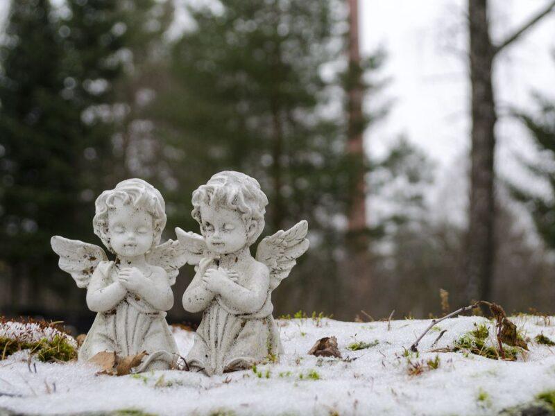 kaksi enkelipatsasta